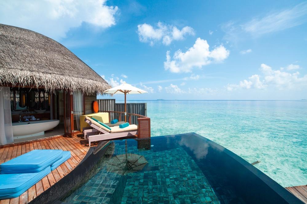 halaveli-maldives-2016-water-villa-01.jpg